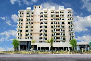 Aadhaar Shri Gayatri Life, Noida Extension